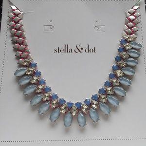 NIB Stella and Dot Marina Necklace